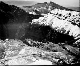 De Doorns, 1935. Aerial view of the Hex River mountains after snowfall.