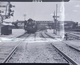 Bloemfontein, 1947. SAR Class 16E arriving with  'Orange Express'.
