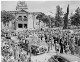Umtata, 5 March 1947. Royal family at the town hall with cenotaph in front.