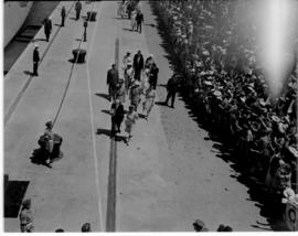 Eastern Cape, 28 February 1947. Queen Elizabeth greeting crowds at the station.