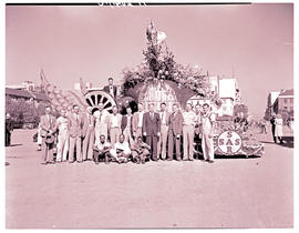 Johannesburg, 1948. SAR Floral week float with group of officials.