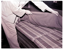 """1946. Blue Train making up bed C-31A/B sleeping saloon 1939 stock."""