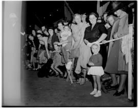 Ficksburg, 10 March 1947. Evening crowd waiting to see the Royal family.