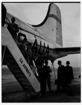 May 1946. Trip to Cape Town with SAA Douglas DC-4 ZS-AUA 'Tafelberg', passengers embarking.