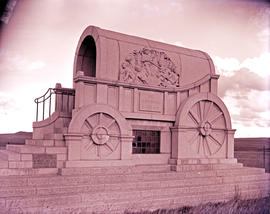 """Vryheid district, 1950. Blood River monument."""