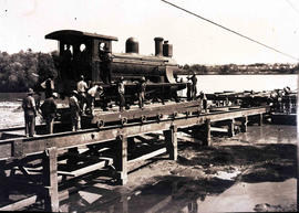 Upington, 1915. Orange River crossing by pontoon during World War One.