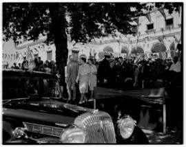 Paarl, 20 February 1947. Royal Family preparing to leave.