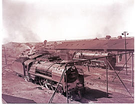 Kimberley, 1943. SAR Class 16E No 859 with SAR Class 23 in the background.