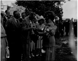 Oudtshoorn, 24 February 1947. Royal family at ostrich farm.