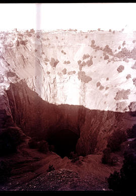 """Kimberley, 1932. Big Hole."""