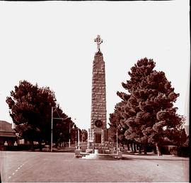 """Aliwal North, 1938. War memorial."""