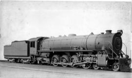 1929/30. SAR Class 15CA No 2819 built by North British Loco.