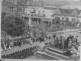 Natal, 1947. Royal family on dais.