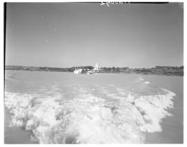 Vaal Dam, circa 1948. Arrival of BOAC Solent flying boat G-AHIN 'Southampton'. Aircraft viewed fr...
