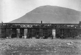 Page 05. Graaff-Reinet. Construction of railway bridge over the Sundays River.