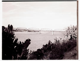 """Aliwal North, 1938. General Hertzog bridge over the Orange River."""