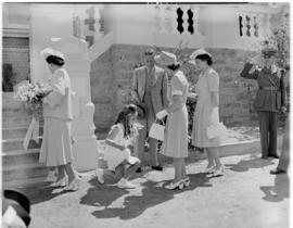 Graaff-Reinet, 25 February 1947. Flowers for the Royal family at the town hall.