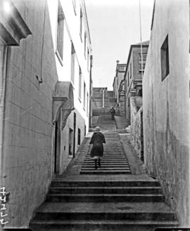 Port Elizabeth, 1934. Staircase leading from Main Street to Donkin Reserve.