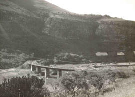 Waterval-Onder. Railway bridge crossing Elands River.