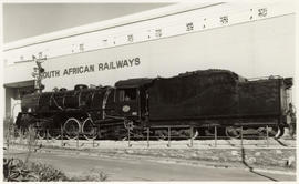 Johannesburg, 1977. SAR Class 16DA No 876 (wide firebox) at showground.