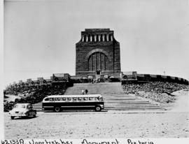 Pretoria, 1953. SAR bus at Voortrekker Monument.
