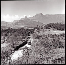 """Drakensberg, 1962. SAR Canadian Brill motor coach on country road."""