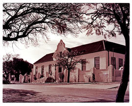 """Uitenhage, 1947. Railway Institute, in the old drostdy."""