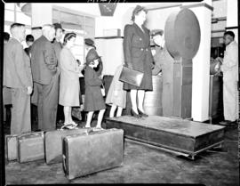 Johannesburg, December 1944. SAA Inauguration of new service in Union at Rand Airport. Passenger ...