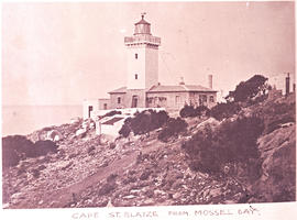 Mossel Bay, 1948. Cape St Blaize lighthouse.