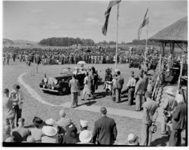 Eshowe, 19 March 1947. Royal family in open car leaving.