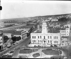 Port Elizabeth, 1934. City Hall and City Hall Square.