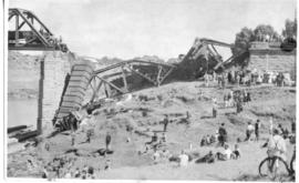 Standerton, 11 January 1945. Damaged Vaal River bridge after accident.