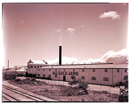 Paarl, 1939. All Gold jam factory.