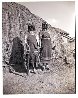 Natal, 1946. Two Baca women in front of hut.