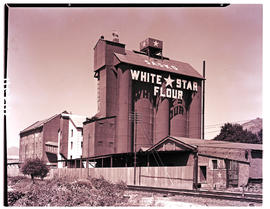 Paarl, 1939. White Star flour mill.