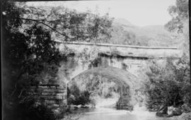 George district, 1925. Road bridge on Montagu pass.