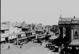 Kimberley, 1924. Old De Beers Road in central business district.