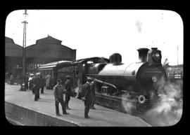 Pietermaritzburg, 1905. NGR 'Hendrie B', later SAR Class 1 'British Association Special' leaving ...