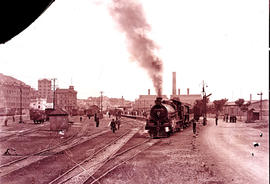 Cape Town, 26 Desember 1923. First Union Limited Express leaving Monument station, headed by SAR ...
