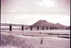 Norvalspont. Bridge over the Orange River.