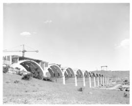 Bethulie, March 1967. Construction of new road/rail bridge over the Orange River.