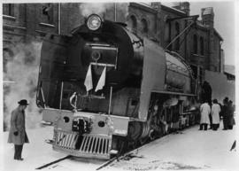 SAR Class 25NC with snow on the ground.