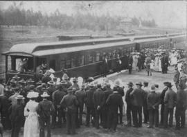 Heidelberg Transvaal, 1904. Crowd awaiting Duke of Connaught at station.