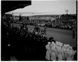 Escourt, 17 March 1947. Royal family at the station. JC Smuts  and other dignitaries in attendance.