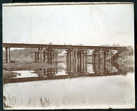 Umhloti, 1879. Construction of the bridge over the Mhloti River.
