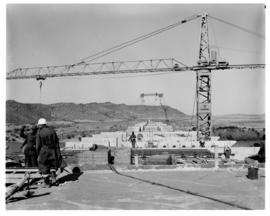Bethulie, June 1967. Construction of new road / rail bridge over the Orange River.